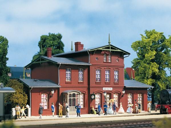 "Auhagen 11381 H0-Modellbausatz, ""Bahnhof Krakow"""