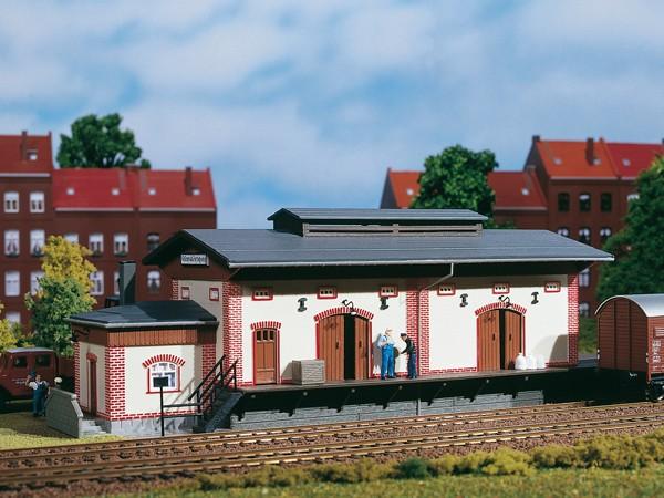 "Auhagen 11399 H0-Modellbausatz, ""Güterschuppen / Lagerhalle"""