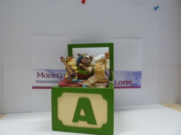 Spieluhr, Art.No. 48142, Spielzeugkiste Katzen