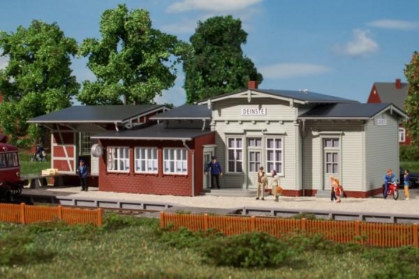 Auhagen 11448 H0-Modellbausatz, Bahnhof Deinste
